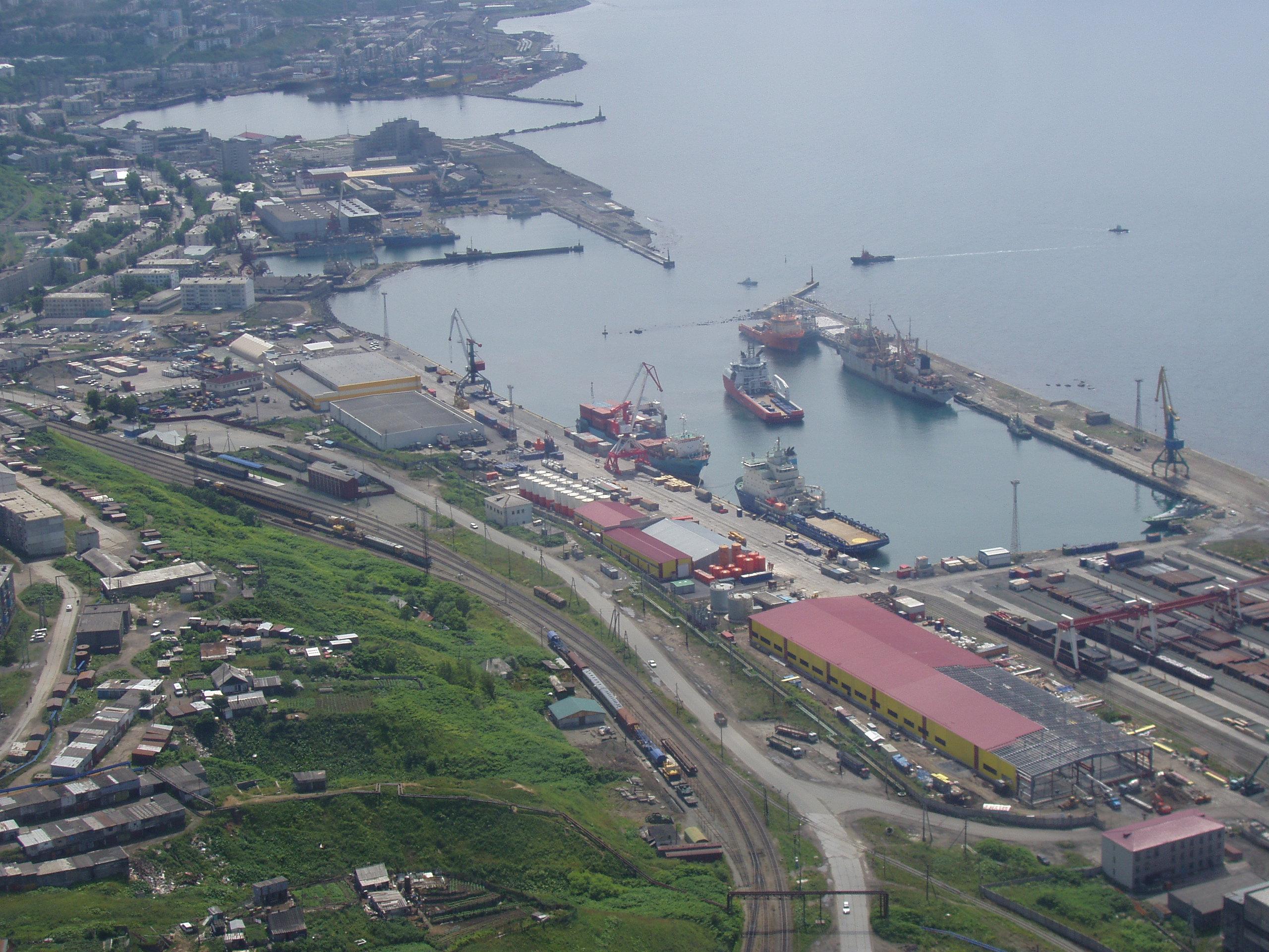 port trading kholmsk